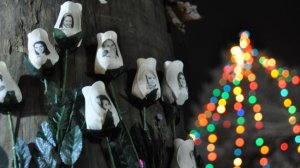 Picture taken from http://gma.yahoo.com/newtown-settles-prayerful-somber-christmas-050520909--abc-news-topstories.html